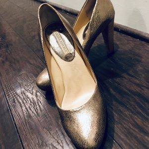 Banana Republic Metallic Pumps